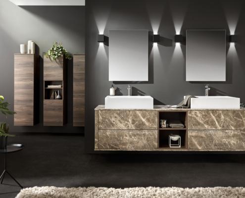 Bild: Badezimmer mit Doppelwaschtisch